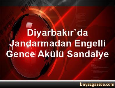Diyarbakır'da Jandarmadan Engelli Gence Akülü Sandalye